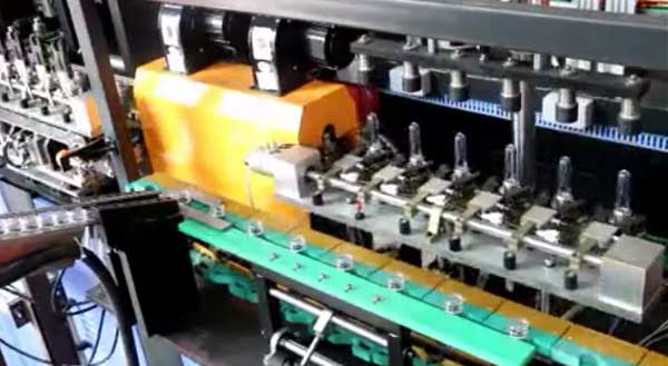 6 Cavity Blowing Molding Machine